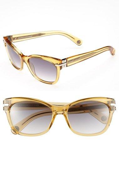Cute retro sunglasses http://rstyle.me/n/mxphhnyg6