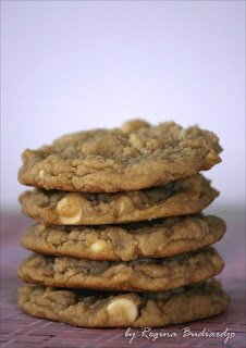 Notes from My Kitchen: White Chocolate Macadamia Cookies