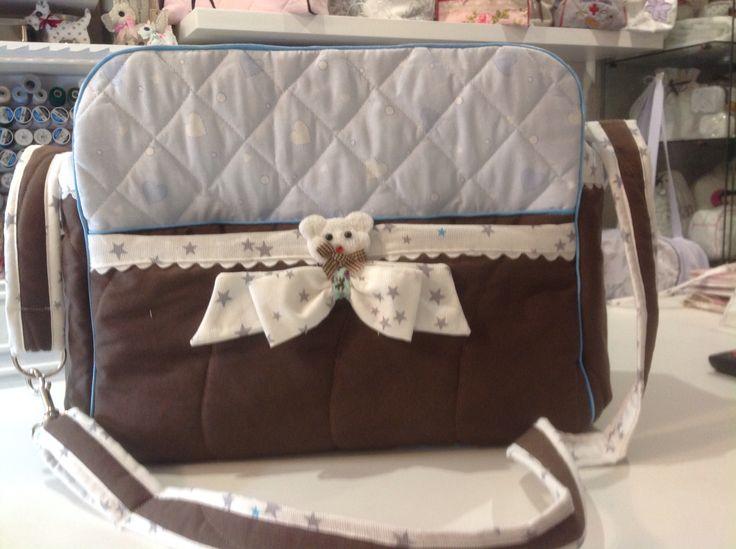 Très joli sac à langer pour un petit garçon taille confortable pour tout ranger par ronibroderie .free.fr