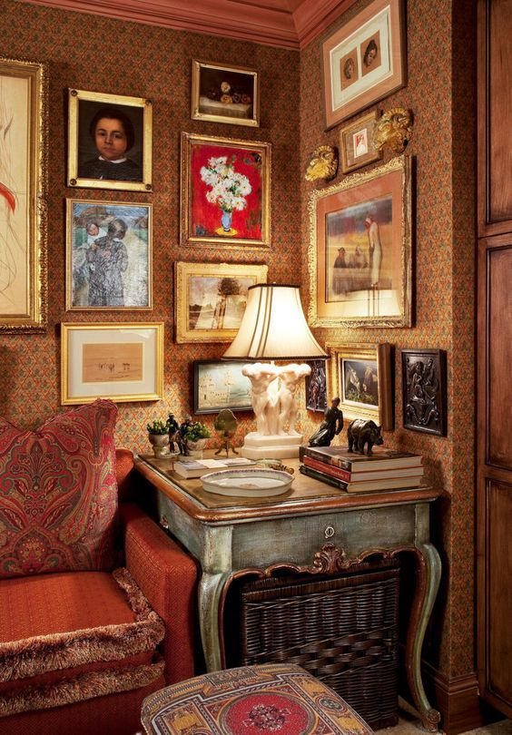 I thought we could look at a few gallery walls and walls that wouldn't be considered totally gallery but impressive just the same.  Okay?  Okay! Madresfield Court -  Madresfield Court is a Grade I ...
