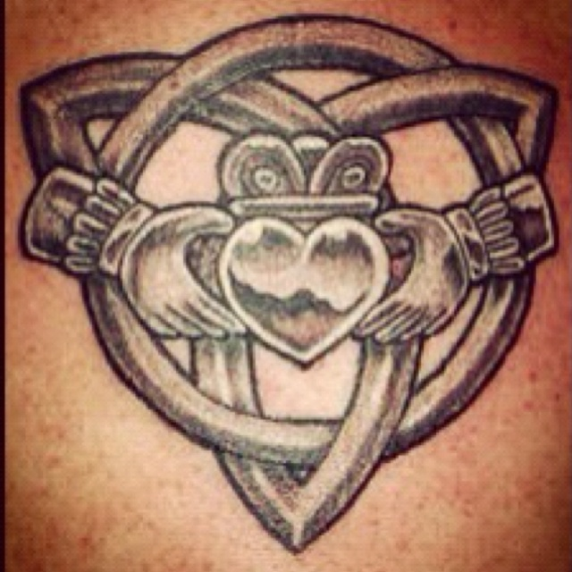 I love it.... I want it on my foot, it would be perfect!