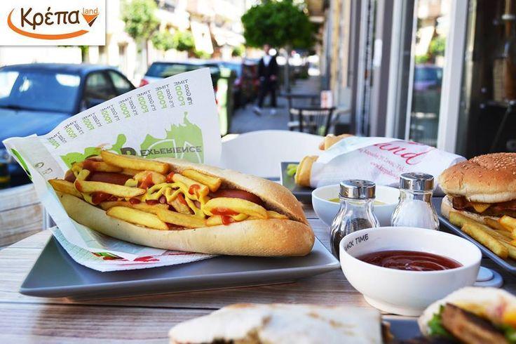 Ο βασιλιάς του λουκάνικου!  Απολαύστε τα εκλεκτά μας λουκάνικα στα λαχταριστά μας Hot dog με ketchup, μουστάρδα και πατάτες τηγανιτές…!!! stay tuned...  Τώρα μπορείτε να παραγγείλετε και online από την σελίδα μας  #online #delivery #hotdog #λουκανομανία