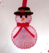 DoCrafts Mini Soft Christmas Kits - Snowman.  Perfect for making your own Xmas Tree Decorations.