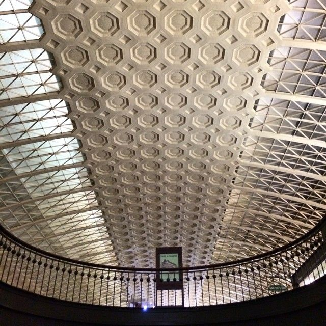 #unionstation #architecture #design #coffer #cofferedceiling #landmark #historic #trainstation #amtrak #washingtondc #wdc