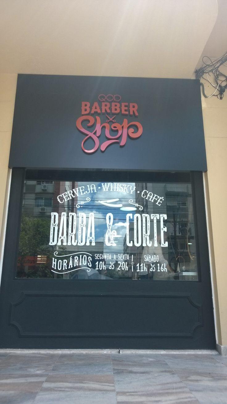 Um local novo no coração do Moinhos de Vento, a Barber Shop está esperando você homem que gosta de uma barba bem feita e um corte de cabelo bem cortado.  http://conversandocommireia.com.br/barber-shop/
