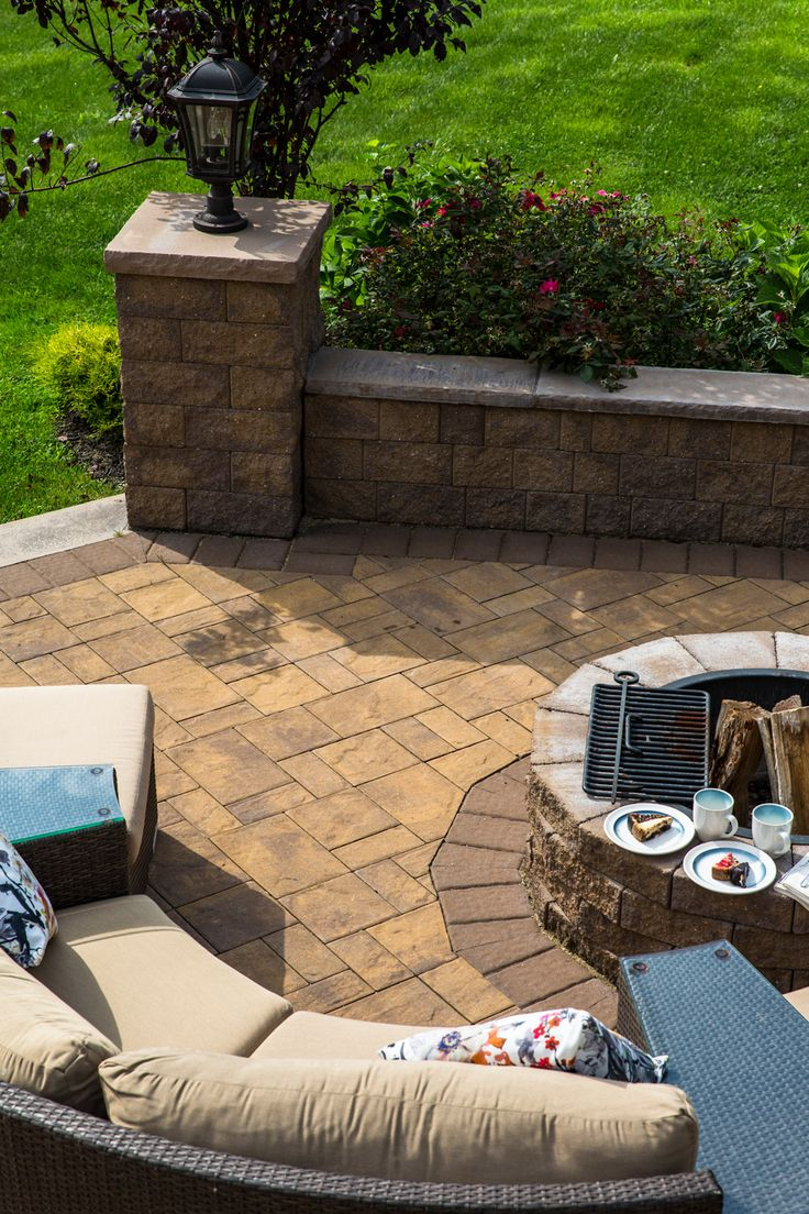 Cambridge pavingstones wall systems color options - Dc Contracting Updated This Long Island Outdoor Living Space With Cambridge Pavingstones With Armortec Cambridge