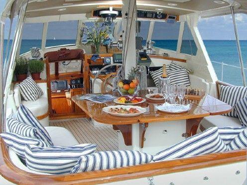 Segelyachten innen  Die besten 25+ Boote mit Führerhaus Ideen nur auf Pinterest ...