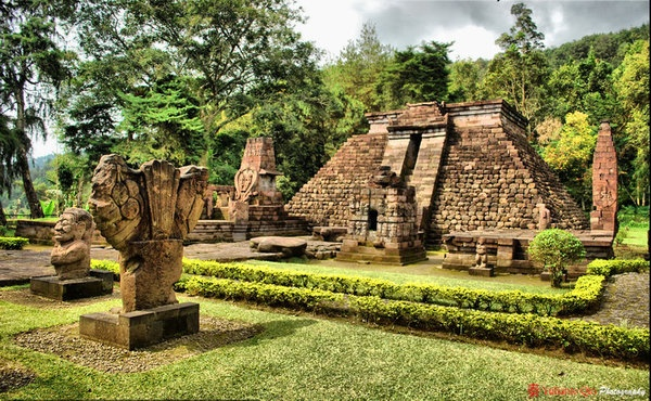 Candi Sukuh, Central Java 500BC-1430. Mysteriously, this pyramid was built using the same architectural principles as the pyramids in Mexico and Guatemala.