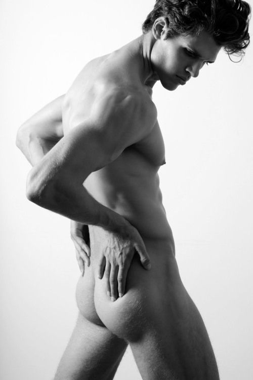 голые красивая модель парни потом трахнул секс