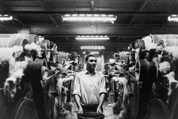 A Bradford wool mill in the 1950s www.waysideflower.co.uk