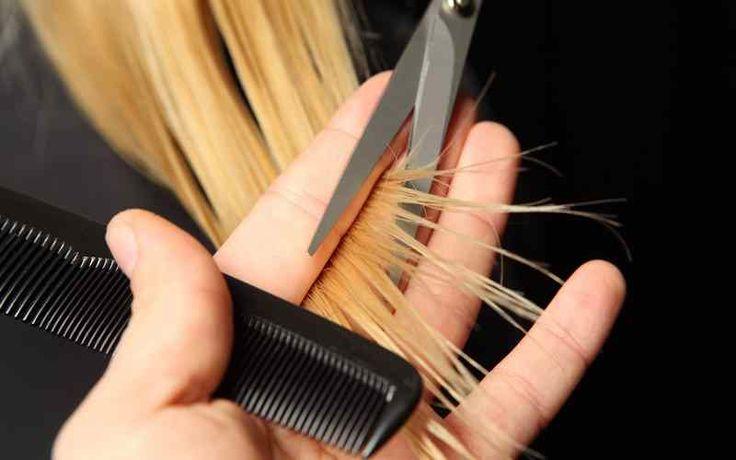 SAÇ KIRIKLARI NASIL GİDERİLİR Kırılgan saç yapısına sahip olduğu için sürekli saç uçlarını kestirmek zorunda kalıp, saç uzatamayan birçok kadın saç uzatma konusunda sıkıntı yaşamaktadır.Uzun saçlara sahip olmanın en büyük gerekliği düzenli bakımve buna bağlı olarak da kırılmayan saçlardır. Bugünbasit malzemeler kullanılarak evde hazırlayacağınız doğal maske ile nasıl saç kırıklıklarını giderebileceğinizi anlatacağız. Saç Kırıkları İçin …