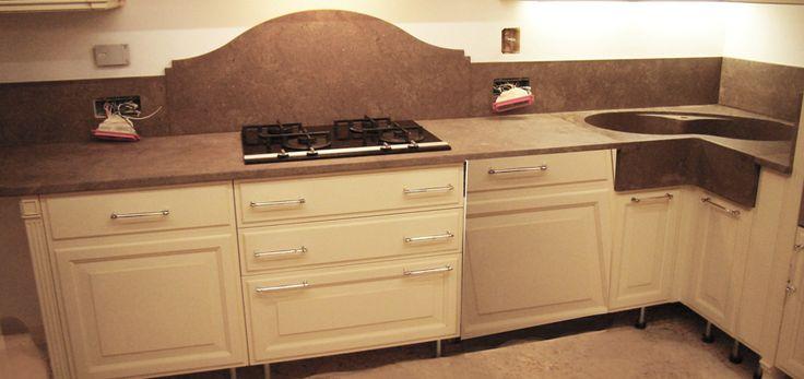 0003 REALIZZATO progetto piani cucina in pietra ebano con lavello scavato dal blocco