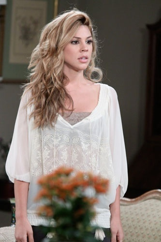 Kate Mansi - love her hair and outfit