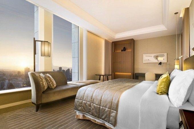 Bedroom - The St. Regis Osaka - Japan & Luxury Travel Advisor – luxurytraveltojapan.com - #Luxuryhotels #Osaka #Japan #Japantravel #stregisosaka