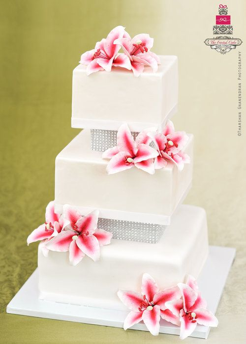 i'd be happy with this cake only because it has my favorite flower on it!