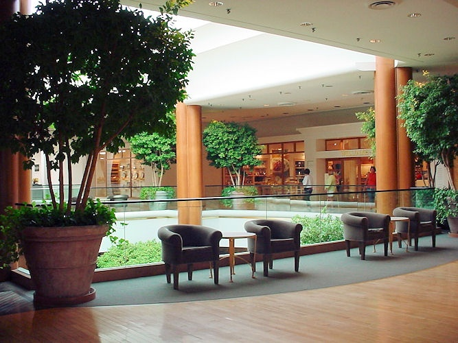 Interior Plant Design By Charlee Storner At Plaza Frontenac In St Louis MO
