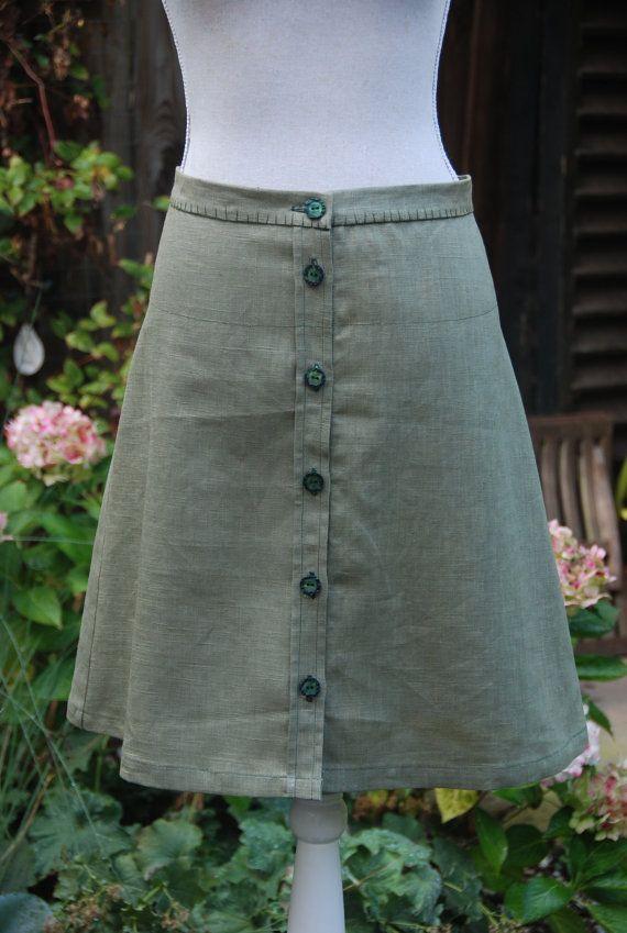 Kaki groene ALijn vintage rok met knopen van VinMarRock op Etsy, €28.00