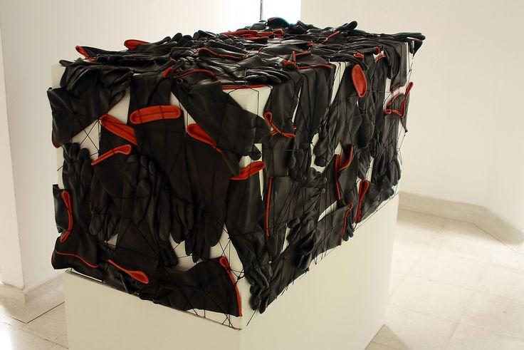 """""""sin título"""" - Ensamble Una obra de Jorge Restrepo Museo de Arte Contemporáneo del Huila 2012"""