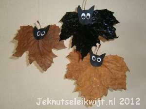 Halloween knutsel vleermuis.