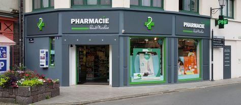 La Pharmacie Saint Nicolas à Monfort sur Meu (35) fait appel à Loronicom pour sa signalétique extérieure - Enseigne lumineuse Nantes, façade et signalétique Angers Rennes