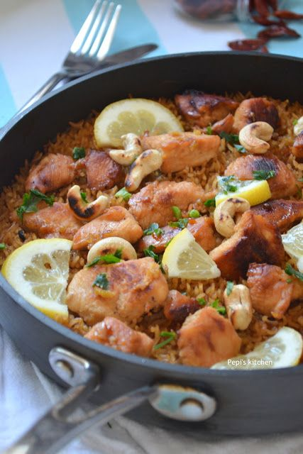 Ασιατικό Κοτόπουλο με Ρύζι σε Ένα Σκεύος http://pepiskitchen.blogspot.gr/2016/05/asiatiko-kotopoulo-me-ryzi-se-ena-skevos.html