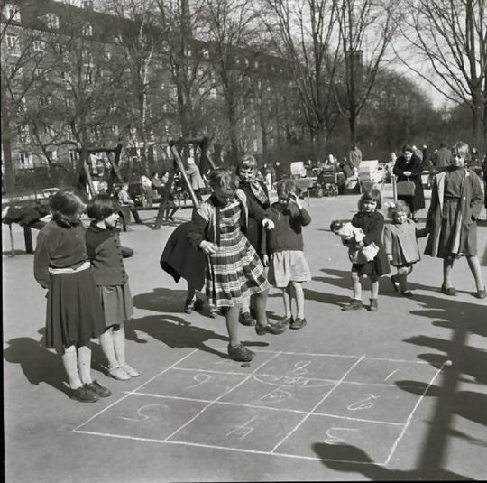 Børn  –  Enghave plads  1950 -1960