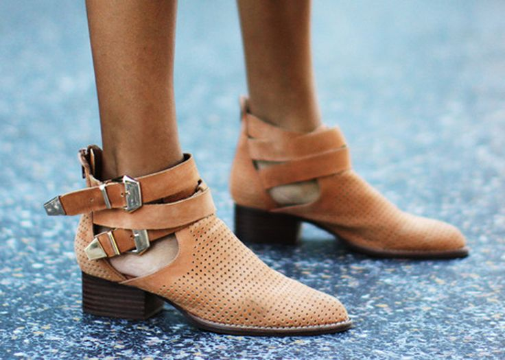 Simple and beautiful ankle boots