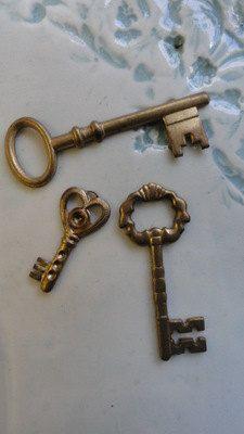 Old Skeleton Keys set of 3 pc by squirrelnuts on Etsy. , via Etsy.