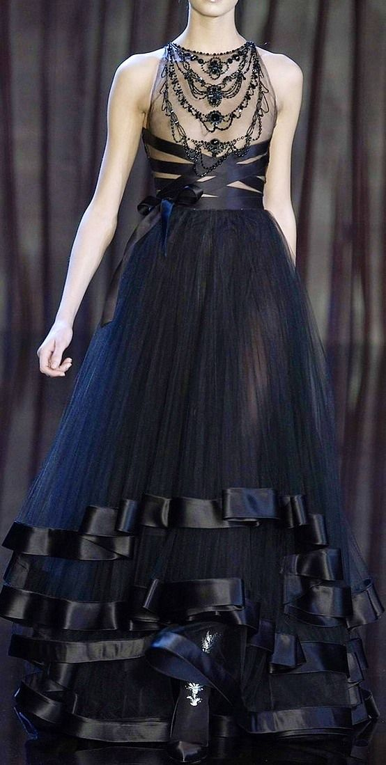 NOT ORDINARY FASHION - Valentino Haute Couture 2012 ( (it's like bondage but with silk ribbon in place of icky leather-very cool))