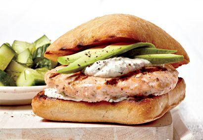 Recette hamburgers au saumon ou à la truite, au concombre et à l'avocat