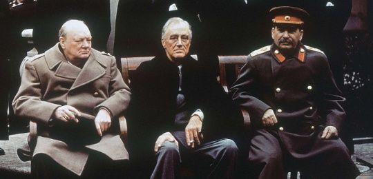 Cette photo, présente dans tous nos livres d'histoires traitant de la seconde guerre mondiale (malgré le cigare de Churchill et la cigarette de…