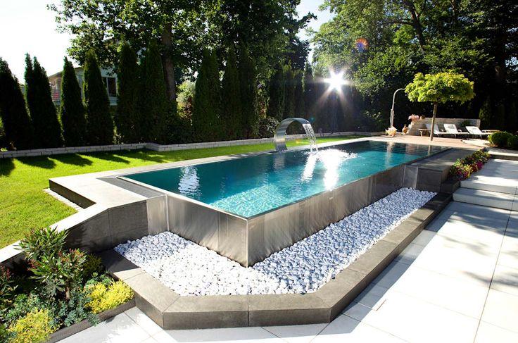 Piscinas de estilo moderno por London Swimming Pool Company