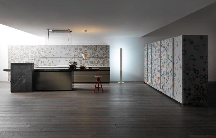 BEST BRANDS: sustainable kitchens | New Logica System/Artematica Vitrum Arte, Gabriele Centazzo, 2015 |  #designbest @valcucine |