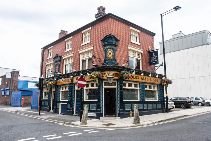 The Craven Arms is a popular Birmingham pub owned by Black Country Ales. -  www.beerlens.com