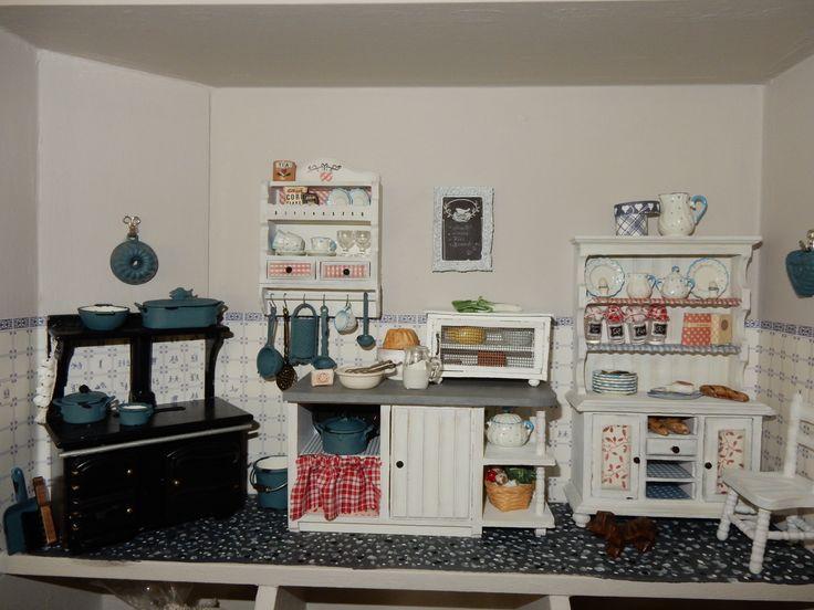 Dollhouse kitchen miniatyr pinterest for Furniture 0 interest