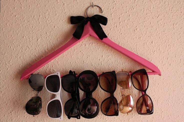cute sunglasses holder DIY, good for scarves or belts too
