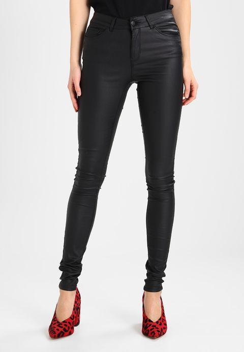 Köp  Vero Moda VMSEVEN SMOOTH COATED PANTS - Tygbyxor - black för 399,00 kr (2018-03-02) fraktfritt på Zalando.se