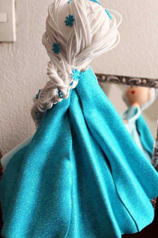 Fofucha Elsa Frozen por OKmira y Mesa de Dulce México  www.facebook.com/okmira.eventos www.okmira.com www.mesadedulce.com