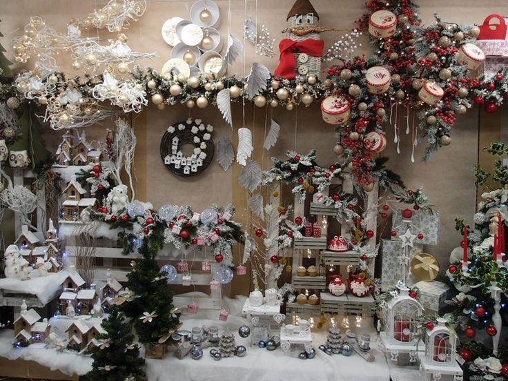 17 migliori immagini su natale creazioni allestimenti addobbi su pinterest negozi - Decorazioni natalizie moderne ...