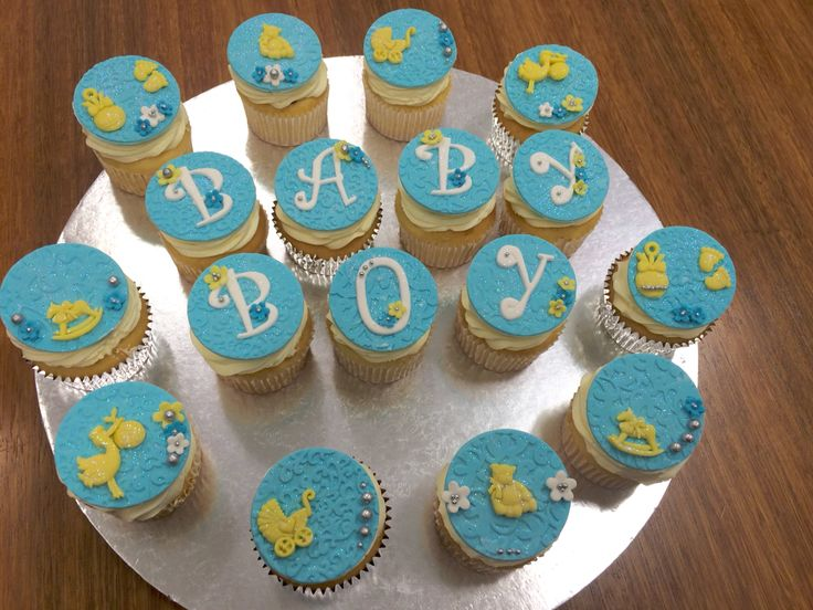 Vanilla cupcakes with cookies and cream filling! #babyshower #babyboy #cupcakes
