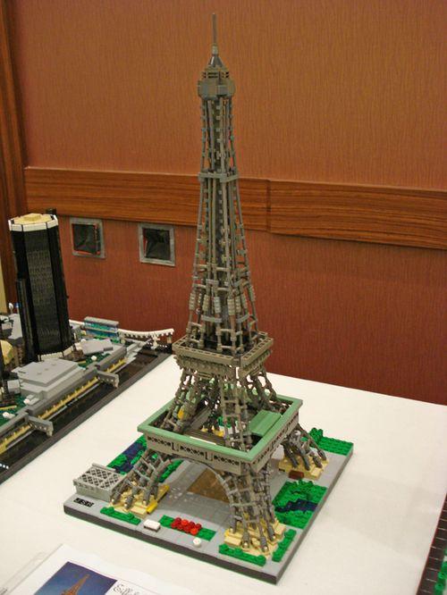 LEGO Eiffel Tower  via brickshelf