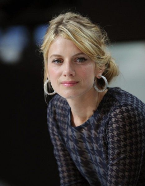 Cinq ans après « Inglourious Basterds » de Quentin Tarantino, Mélanie Laurent va retrouver Brad Pitt.  http://www.elle.fr/Loisirs/Cinema/News/Melanie-Laurent-obsedee-par-Brad-Pitt-et-Angelina-Jolie-2757918