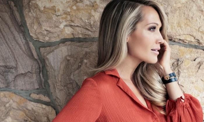 Erika Heynatz looking gorgeous #MAXCONNECTORS #CraigBeaglehole #beauty #makeup #ErikaHeynatz