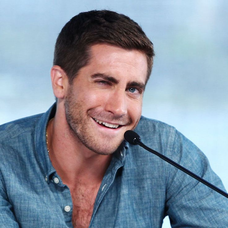 Jake Gyllenhaal Is At His Best When He's Being Weird