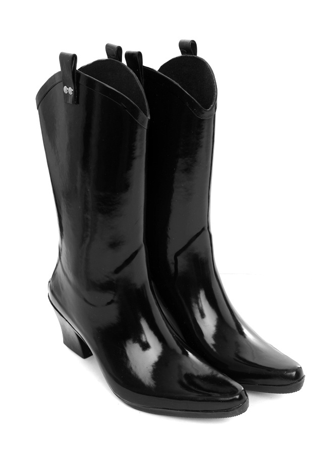 I  don't normally wear gumboots but if these were mine, i'd definitely be out & about in the rain alot more!