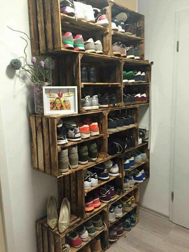 Prachtige manier om je schoenen op te bergen! We love it! #fruitkistjes #crates #shoestorage