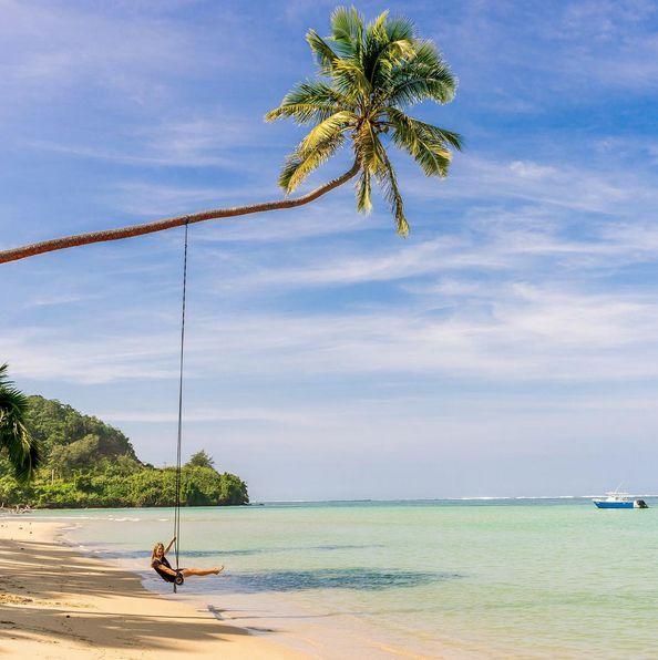 In Fiji, you can swing your worries away 🌴 📷 IG'er @ thetwohobos