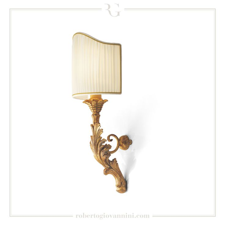 art. 1236 Sconce with leaf carving XVIII C. Tuscan