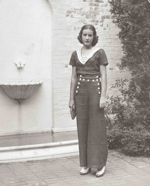 Little Edie In Front Of Guild Hall East Hampton Ny 1936