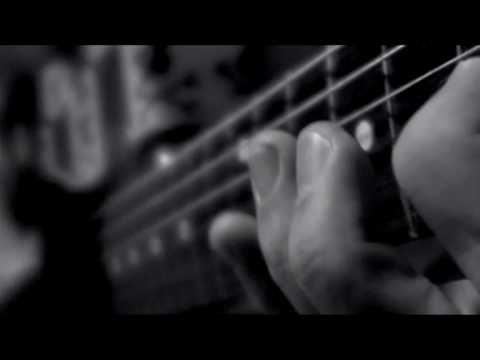 Pignoise - Estoy enfermo (con Melendi) (Video clip) © 2009 WMG Estoy enfermo (con Melendi) (Video clip) #pig #noise #pignoise #españa #auropa #negro #blanco #black #white